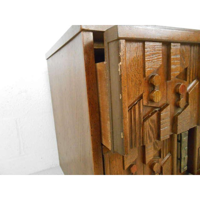 Sculpting Stylish Mid-Century Sculpted Front Nightstand For Sale - Image 7 of 8