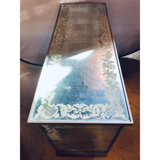 Art Deco Era Mirrored Reversed Paint Decorated Églomisé Desk or Vanity For Sale - Image 11 of 13