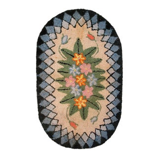 1900s handmade antique American Hooked rug 1.7' x 2.7' For Sale
