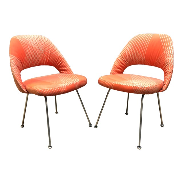 Rare Eero Saarinen for Knoll Chairs on Aluminum Legs- a Pair For Sale In New York - Image 6 of 8