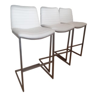 White Leather and Chrome Modern Lisa Taylor Style Bar-Counter Stools - Set of 3 For Sale