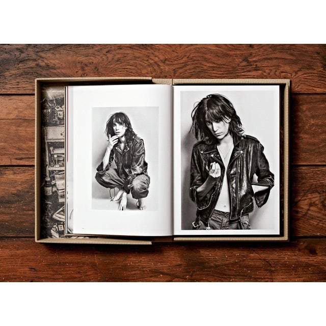 """Canvas """"Patti Smith"""" by Lynn Goldsmith Photography Collection Autographed Collector's Edition For Sale - Image 7 of 8"""