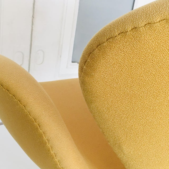 Metal Early Arne Jacobsen for Fritz Hansen Swan Lounge Chair For Sale - Image 7 of 9