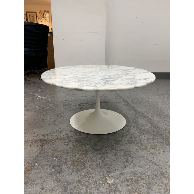 Design Within Reach Knoll Eero Saarinen Marble Low Oval Coffee Table For Sale - Image 4 of 9