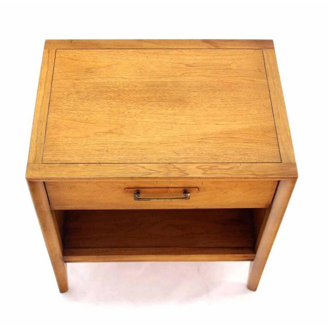 Pair of Mid-Century One Drawer Nightstands by Drexel For Sale In New York - Image 6 of 8