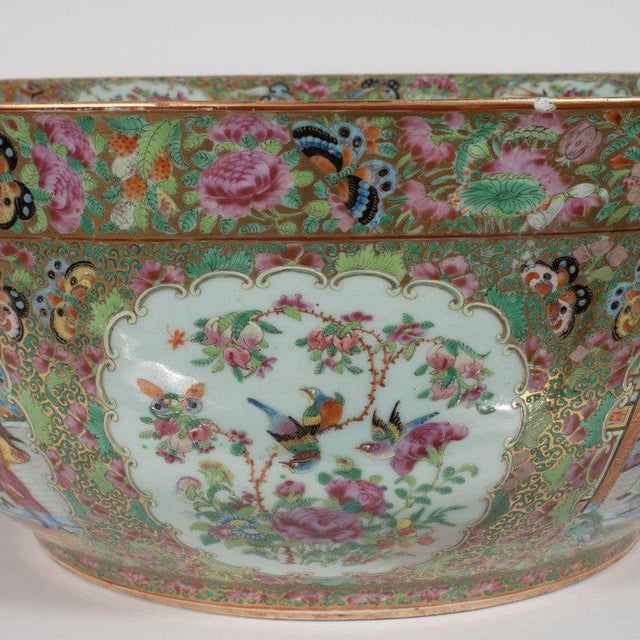 """Important """"Mandarin"""" Style Rose Medallion Chinese Export Ceramic Bowl For Sale - Image 9 of 11"""