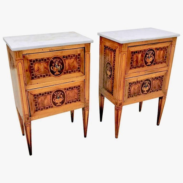 Italian Pair of 18th Century Italian Fruitwood Neoclassical Small Commodes For Sale - Image 3 of 3