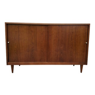 Mid Century Modern Crescent Furniture Co. Media / Sideboard Cabinet For Sale