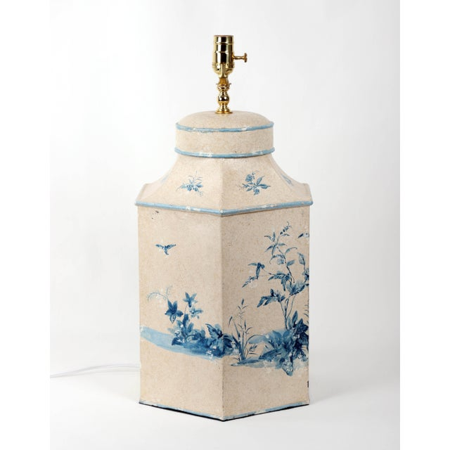 Vintage Hand-Painted British Export Tea Caddy Table Lamp For Sale In New York - Image 6 of 10