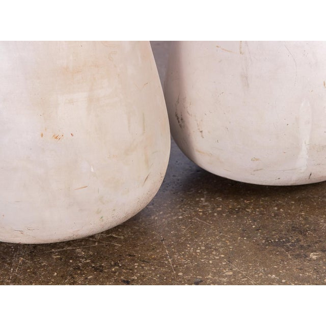 Mid-Century White Teardrop Planters- A Pair For Sale In New York - Image 6 of 7