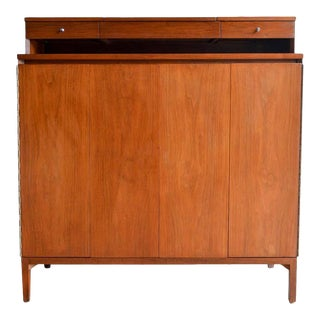 Tall Gentlemen's Chest in Walnut by Paul McCobb, Circa 1960 For Sale