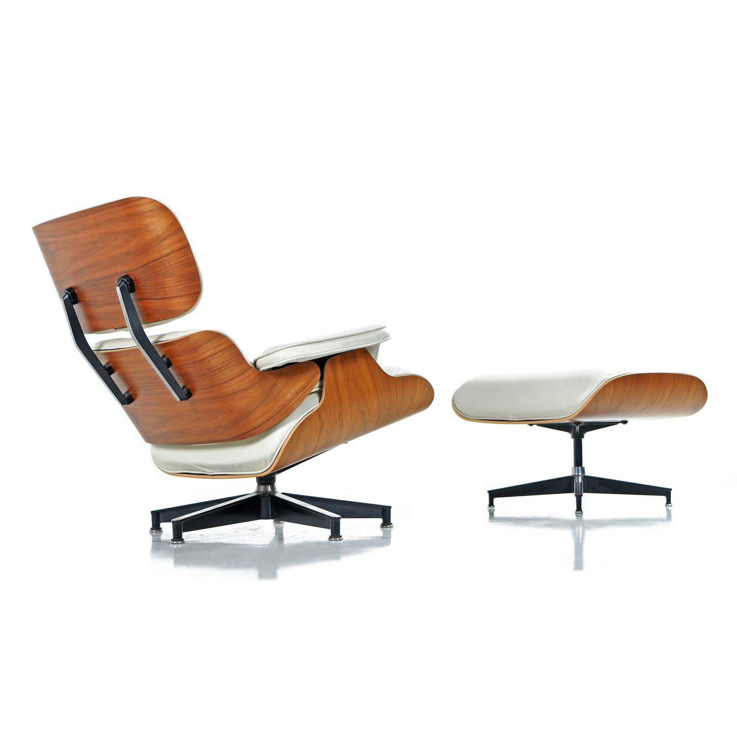 Superieur Iconic Mid Century Modern Herman Miller Eames Chair. Ivory Genuine Leather  With Walnut Shell