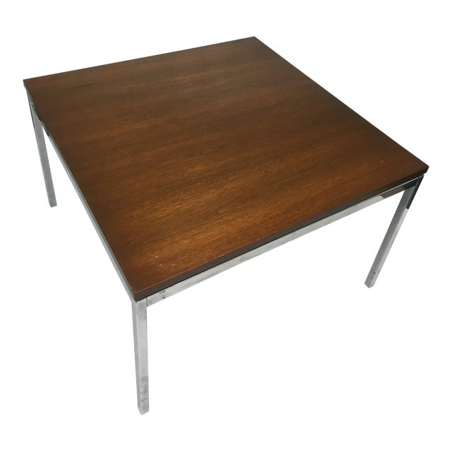 Vintage Mid-Century Modern Walnut Side or Coffee Table by Florence Knoll For Sale