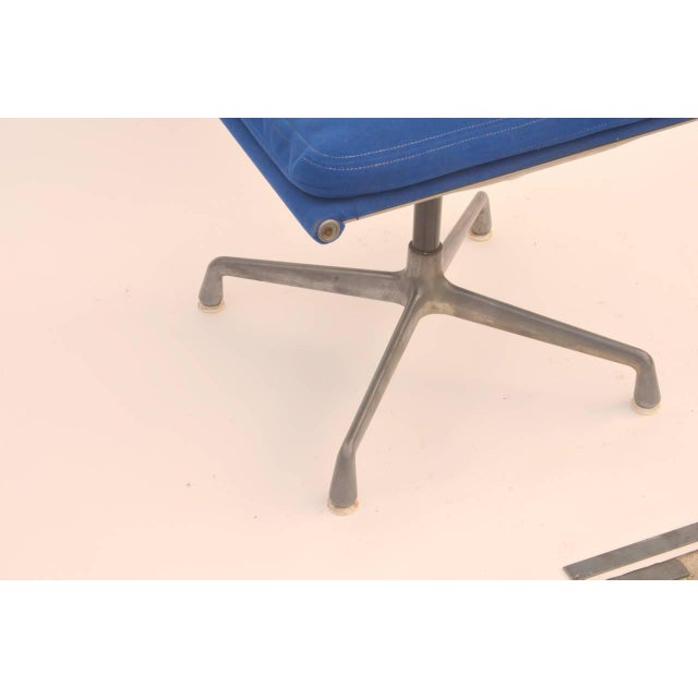Mid-Century Modern 1960s Vintage Eames for Herman Miller Aluminum Group Ottoman Stool For Sale - Image 3 of 6