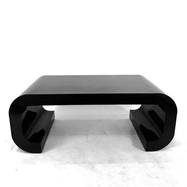 Asian Sleek and Modern Chinoiserie Black Laminate Curved Coffee Table For Sale - Image 3 of 8