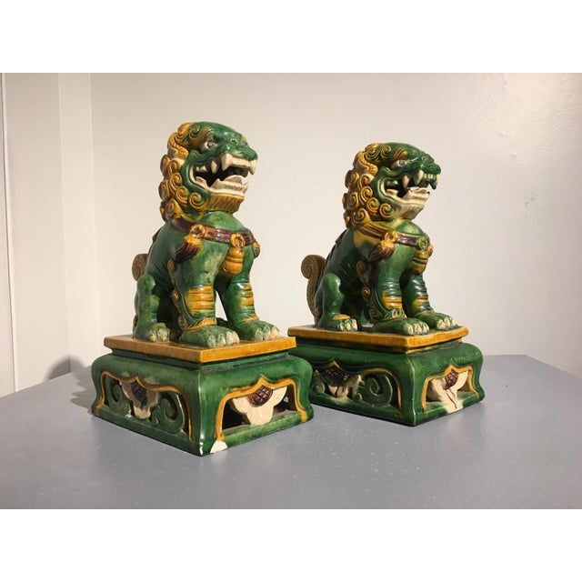 1920s Chinese Sancai Glazed Foo Lions - a Pair For Sale In Austin - Image 6 of 11