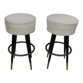 Mid Century Modern Pair of Bar Stools For Sale