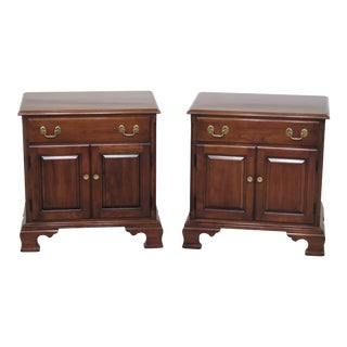 1980s Traditional Statton Solid Cherry 2 Door Nightstands - a Pair For Sale