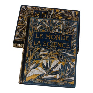 Set of 2 French Books - Le Monde Et La Science, Early 1900s For Sale