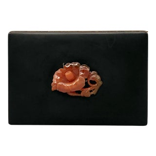 Early 20th Century Yamanaka Black Enamel Hinged Box With Carved Agate Flower For Sale
