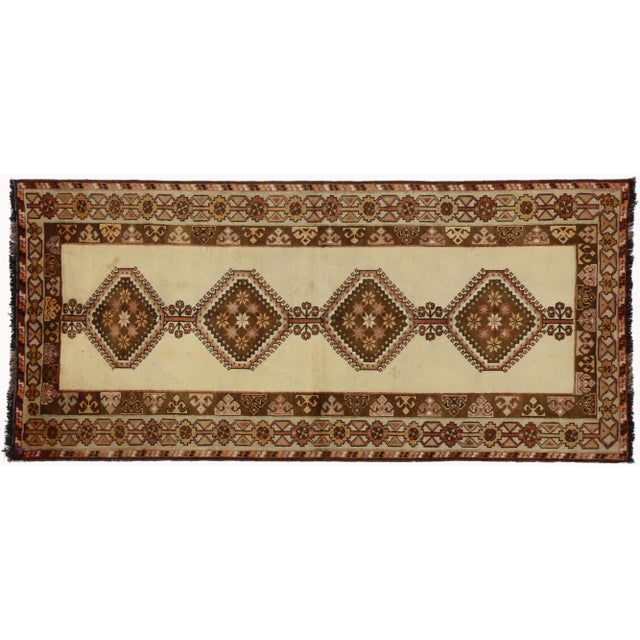 """1980s Vintage Persian Shiraz Rug - 3'9"""" X 6'8"""" For Sale - Image 5 of 5"""