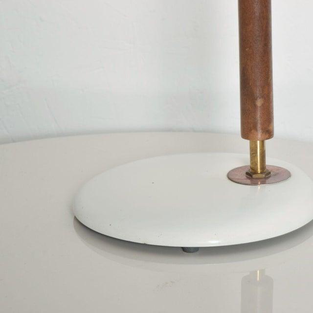 Lightolier Modern Mid-Century Clamshell Table Desk Lamp by Gerald Thurston for Lightolier 1950s For Sale - Image 4 of 9