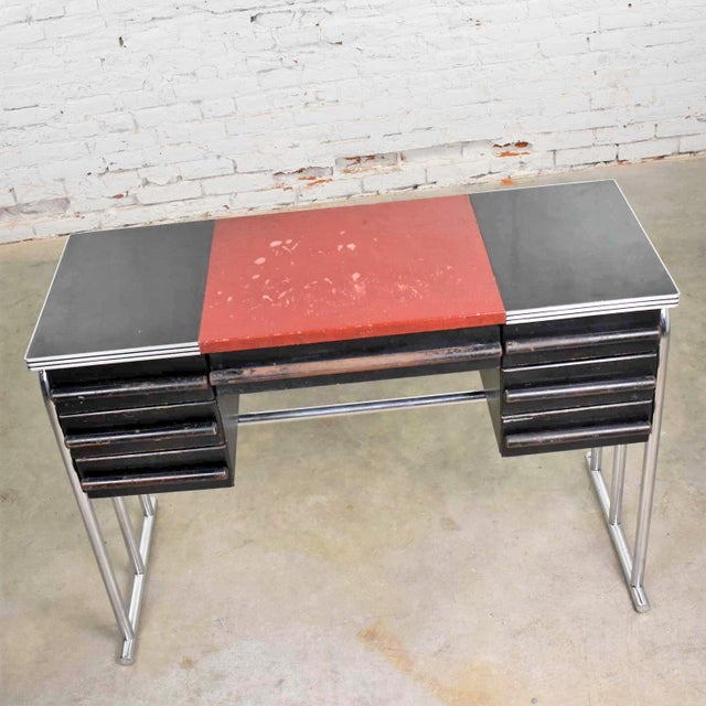 Troy Sunshade Company Art Deco Machine Age International Style Chrome & Black Desk Gilbert Rohde Attribution For Sale - Image 4 of 13