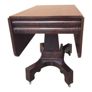 19th Century American Classical Mahogany Drop Leaf Table For Sale