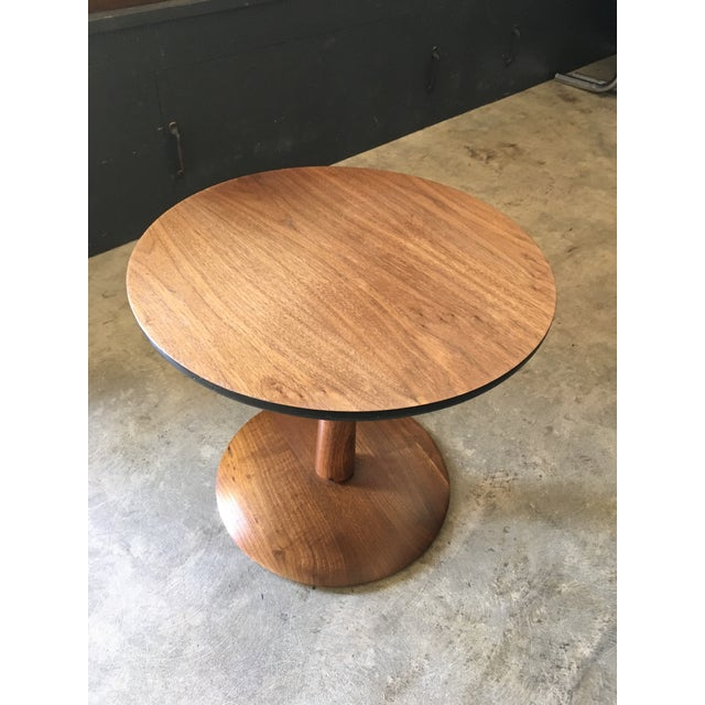 1950s Mid-Century Modern Round Walnut Pedestal Base Side Table For Sale - Image 4 of 7