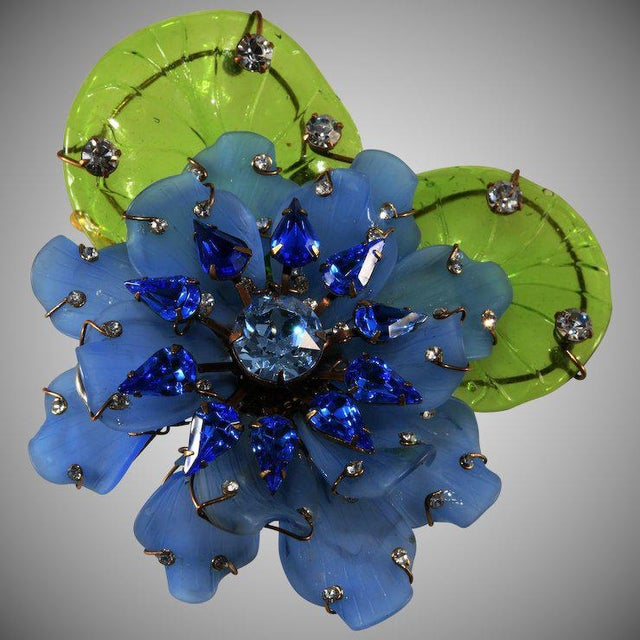 """Lawrence Vrba Huge 4.5"""" Blue Flower Brooch Pin Rhinestones With Glass Leaves For Sale - Image 4 of 4"""