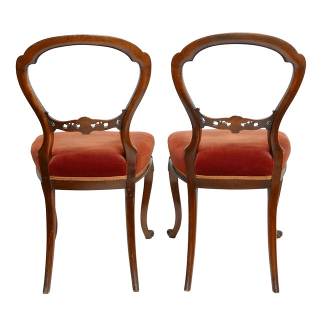 Pair of Walnut Balloon Back Side Chairs, English Victorian 19th Century For Sale - Image 10 of 12