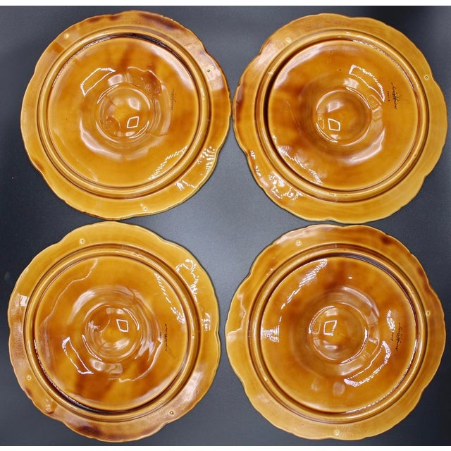 1930s 1930s French Sarreguemines Scallop Shell Oyster Plates - Set of 4 For Sale - Image 5 of 7
