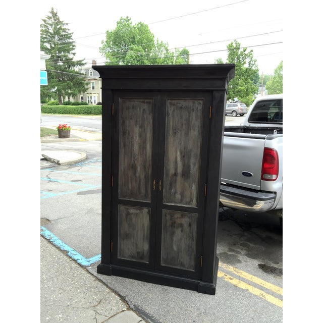 European Grand Scale Armoire - Image 5 of 5