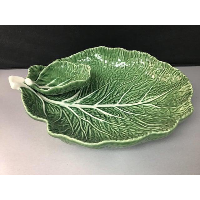 "Green Mid-Century Portuguese Green ""Cabbage Leaf"" Chip & Dip or Crudité Platter For Sale - Image 8 of 8"