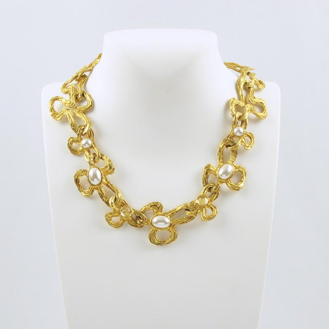 Contemporary Lanvin Paris Choker Necklace Gilt Metal Pearl and Glass Cabochon For Sale - Image 3 of 10