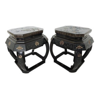 Vintage Chinese Black Lacquer Drum Stools - A Pair For Sale