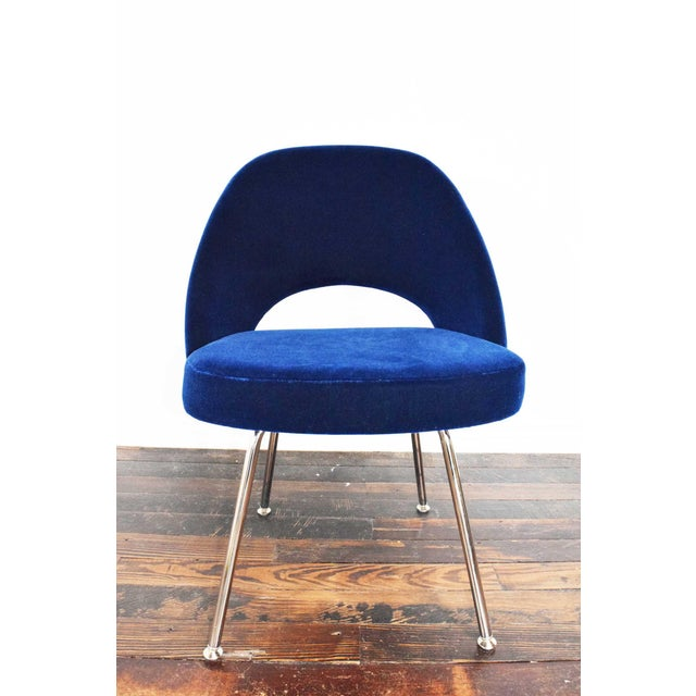 Mid-Century Modern Knoll Eero Saarinen Armless Executive Chair For Sale - Image 3 of 12