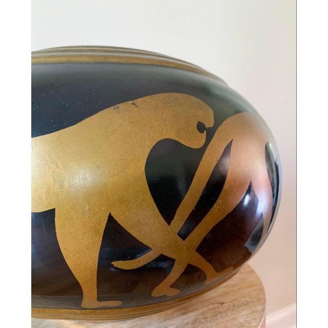 Hollywood Regency Vintage Panther Motif Pottery Vase For Sale - Image 3 of 9