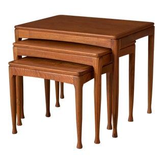 Mid-Century Modern Teak Set of Nesting Tables For Sale