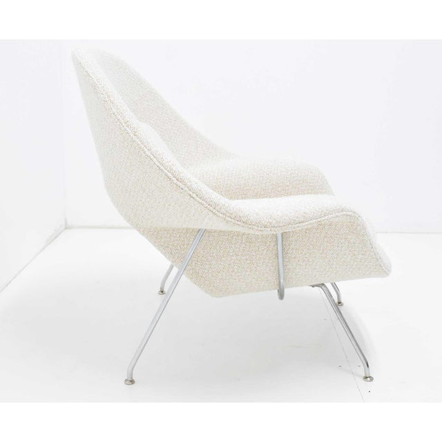 Knoll Eero Saarinen for Knoll Womb Chair and Ottoman For Sale - Image 4 of 9