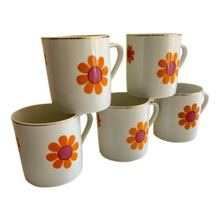 Vintage Set of Five Porcelain Daisy Mugs Cups For Sale