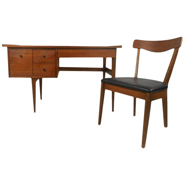 American of Martinsville Mid Century Matching Desk & Chair For Sale