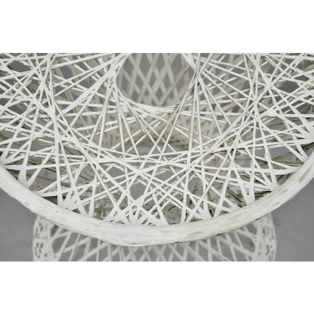 """Mid 20th Century Vintage Russell Woodard Spun Fiberglass Woven 18"""" Accent Side Table For Sale - Image 5 of 9"""