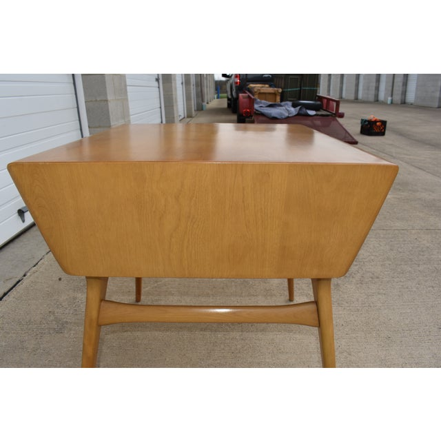 1950s Mid Century Modern Heywood Wakefield Side Table For Sale In Cleveland - Image 6 of 11