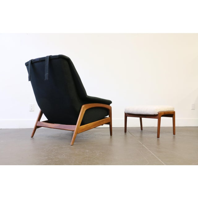 Mid-Century Modern Folke Ohlsson for Dux Lounge Chair & Ottoman For Sale - Image 3 of 13