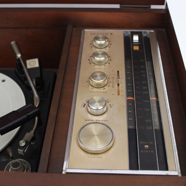 1950s Mid Century Modern Zenith Turntable Record Player