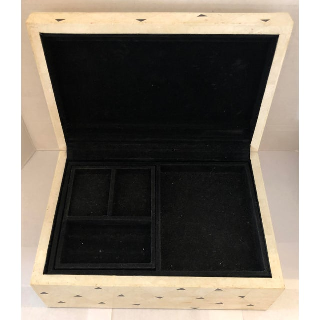 Off-white Large Jewelry Box by Oggetti For Sale - Image 8 of 13