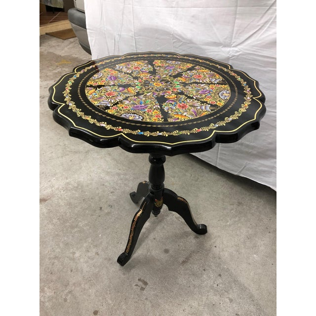 Shabby Chic 20th Century Folk Art Tole Tilt Top Accent Table For Sale - Image 3 of 8