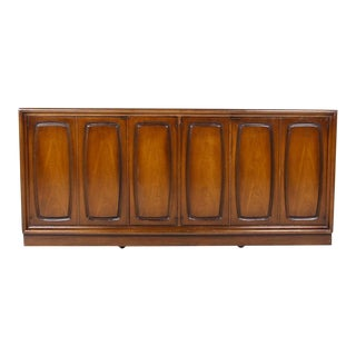 1970s Vintage Broyhill Emphases Credenza For Sale