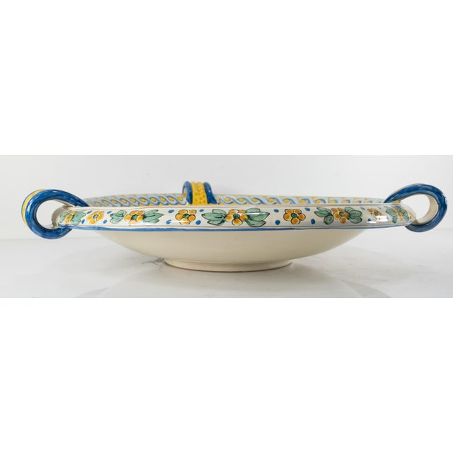 Late 20th Century Italian Yellow Majolica Renaissance Revival Decorative Wall Charger For Sale In New York - Image 6 of 10